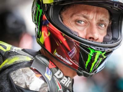 MotoGP, caduta e secondo ritiro per Valentino Rossi nel 2021. Finora un 10° posto come miglior risultato