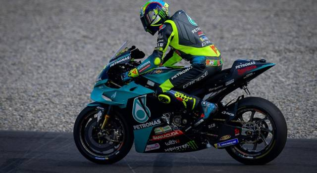 """VIDEO MotoGP, Valentino Rossi: """"Sul giro secco e sul passo siamo tutti vicini, devo migliorare nel t-4"""""""