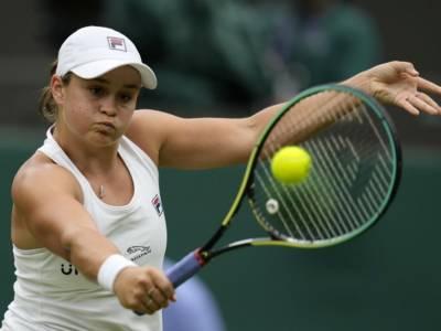 Wimbledon 2021: buona la prima per Barty. Avanzano Krejcikova e Sakkari. Si ritira Serena Williams