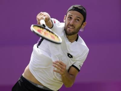 Tennis, ATP Kitzbuhel: Stefano Travaglia superato da Holger Rune. Subito fuori il marchigiano