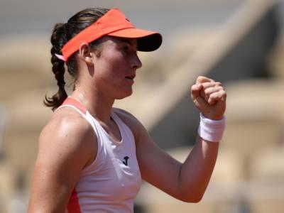 Tennis, WTA Losanna 2021: Tamara Zidansek batte Burel in finale e conquista il suo terzo titolo