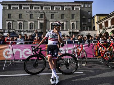 Tour de France 2021: Patrick Konrad beffa Sonny Colbrelli a Saint-Gaudens. Pogacar controlla