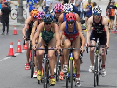 Triathlon, Olimpiadi Tokyo: Flora Duffy, oro storico per Bermuda! Alice Betto settima