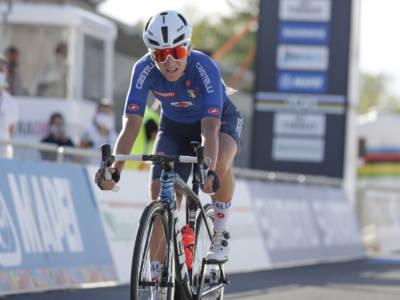 LIVE Ciclismo femminile, Olimpiadi Tokyo in DIRETTA: BRONZO PER ELISA LONGO BORGHINI! Kiesenhofer oro inaspettato!