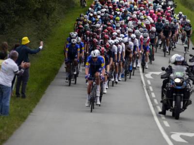 Parigi-Tours 2021: la classica francese spegne 125 candeline, Pedersen proverà a concedere il bis