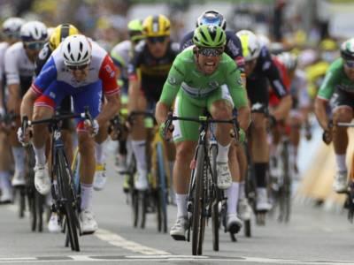 VIDEO Tour de France, highlights decima tappa: Mark Cavendish vince in volata, -1 da Eddy Merckx