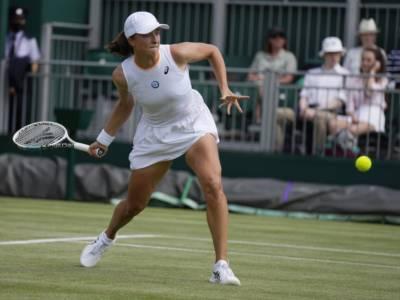 Wimbledon 2021: Jabeur elimina Muguruza. Pliskova, Swiatek e Sabalenka conquistano gli ottavi