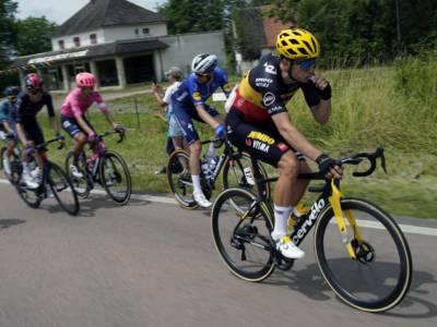 Tour of Britain 2021: altro show di Wout van Aert, battuto Alaphilippe e riconquistata la vetta della classifica
