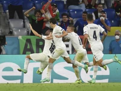LIVE Italia-Spagna 5-3, Europei 2021 in DIRETTA: FINALE PER L'ITALIA!! JORGINHO SEGNA IL RIGORE DECISIVO!!