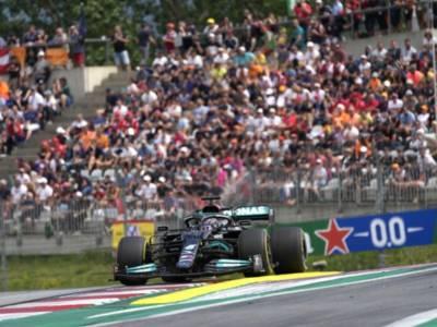 """F1, Lewis Hamilton: """"Credo che questa lotta con Red Bull abbia rinvigorito l'amore che ho per questo sport"""""""
