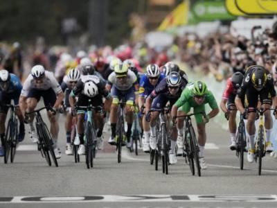 DIRETTA Tour de France 2021, tappa di oggi LIVE: Nils Politt vince in solitaria. Gruppo a 15′. Risultati e classifica