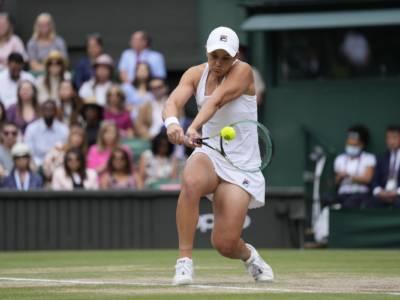LIVE Barty-Pliskova 6-3 6-7 6-3, Wimbledon 2021 in DIRETTA: emozioni e discontinuità sul Centrale! L'australiana è la nuova Regina