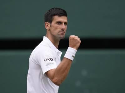 Wimbledon 2021, Djokovic è freddo contro Shapovalov: vince 3-0 e sfiderà Berrettini in finale
