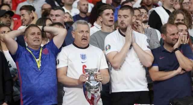 """Europei 2021, anche i quotidiani inglesi si inchinano """"It's coming Rome"""" e """"Solita agonia dal dischetto"""""""