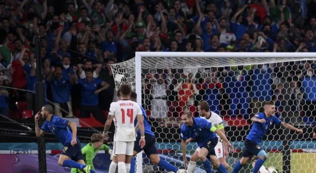 VIDEO Italia-Inghilterra 4-3 dcr: highlights e sintesi Europei 2021. Decisivo Donnarumma