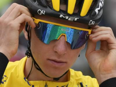 Tour de France 2021, Tadej Pogacar trionfa anche in vetta a Luz Ardiden