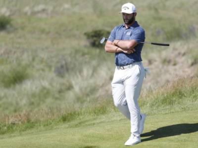 Golf: Jon Rahm di nuovo positivo al Covid-19, niente Olimpiadi di Tokyo per il numero 1 del mondo