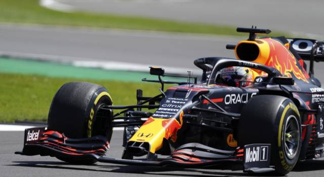 F1, GP Gran Bretagna 2021. Max Verstappen vuole mandare al tappeto Lewis Hamilton. Charles Leclerc sogna il podio