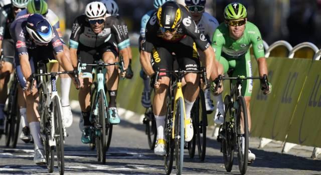 Tour de France 2021, le pagelle dell'ultima tappa: Van Aert fenomenale, Philipsen sfortunato, Cavendish spuntato