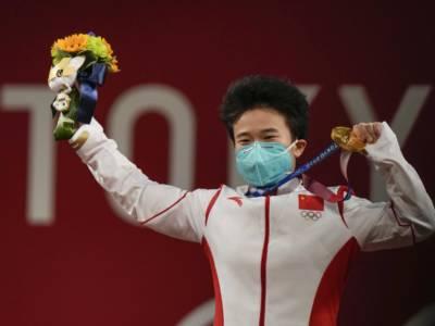 "Sollevamento pesi, Olimpiadi Tokyo. Asian News International: ""Hou Zhihui richiamata per un controllo antidoping"", ma è una fake news"