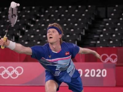 Badminton, Olimpiadi Tokyo. Avanzano Antonsen ed Axelsen tra gli uomini, fuori il duo Fukushima-Hirota nel doppio femminile