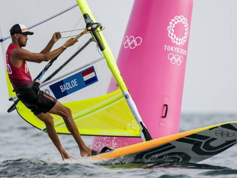 Vela, Olimpiadi Tokyo: Kiran Badloe squalificato dalla quinta regata, Mattia Camboni diventa leader nell'RS:X!