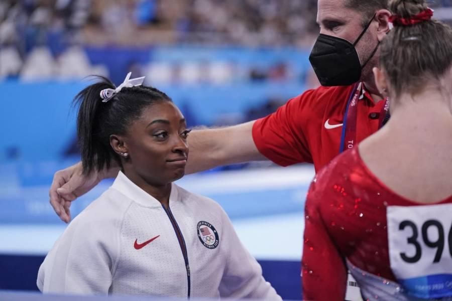 """Ginnastica, Olimpiadi Tokyo: Simone Biles rinuncia alla finale all around! """"Valuteremo per le specialità"""""""
