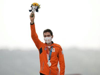 """Ciclismo, Olimpiadi Tokyo. Tom Dumoulin: """"È un argento rivestito d'oro. Continuerò ad andare in bici"""""""