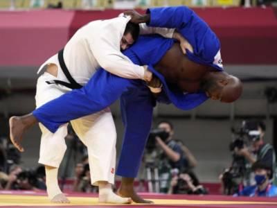 Judo, Olimpiadi Tokyo: Giappone e Francia in finale per il titolo nella gara a squadre, non senza soffrire
