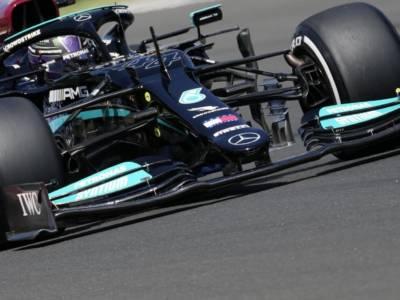 F1, risultati FP3 GP Ungheria: Hamilton precede Verstappen, ottimi riscontri dalla Ferrari