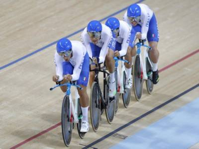 Ciclismo su pista, Olimpiadi Tokyo: prove di partenza per il quartetto maschile, tra le donne entra Barbieri