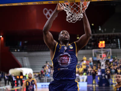 Basket: Virtus Bologna, arriva Mouhammadou Jaiteh sotto canestro