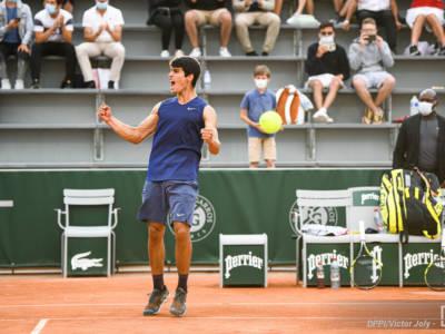 Tennis, ATP Umago 2021: Carlos Alcaraz strapazza Richard Gasquet e conquista il primo titolo della carriera