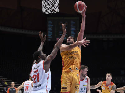 Basket: Tyler Cain-Tortona e Kevin Hervey-Virtus Bologna i colpi che infiammano il fine settimana di mercato