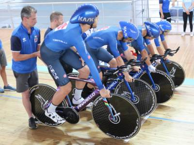 Ciclismo su pista, l'Italia stampa il record del mondo! Filippo Ganna trascina gli azzurri in finale per l'oro alle Olimpiadi!