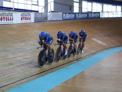 LIVE Olimpiadi Tokyo, liveblog in DIRETTA: l'oro del ciclismo su pista addolcisce le delusioni degli sport di squadra
