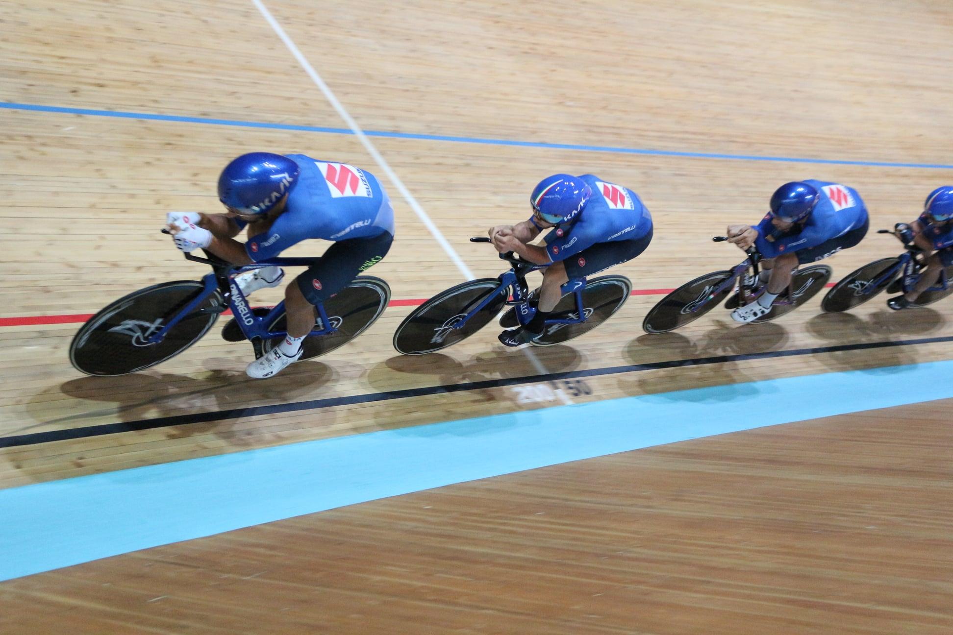 LIVE Ciclismo su pista, Olimpiadi Tokyo in DIRETTA: record olimpico per Ganna e compagni!