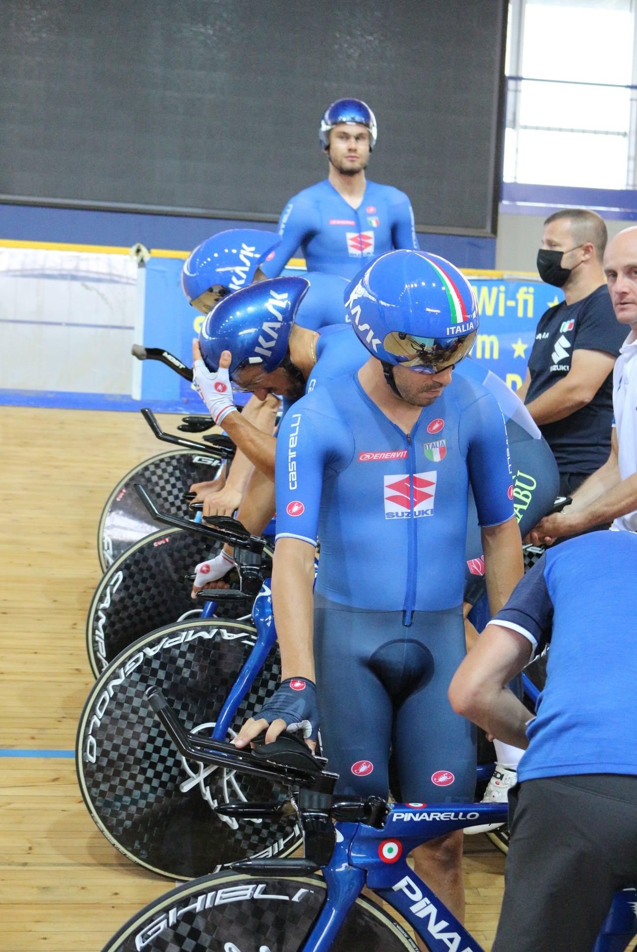 VIDEO Filippo Ganna e il quartetto 2° tempo al 1° turno dell'inseguimento a squadre: è semifinale alle Olimpiadi!