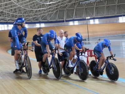 LIVE Ciclismo su pista, Olimpiadi Tokyo in DIRETTA: record del mondo Italia e finale per l'oro! Filippo Ganna pazzesco!