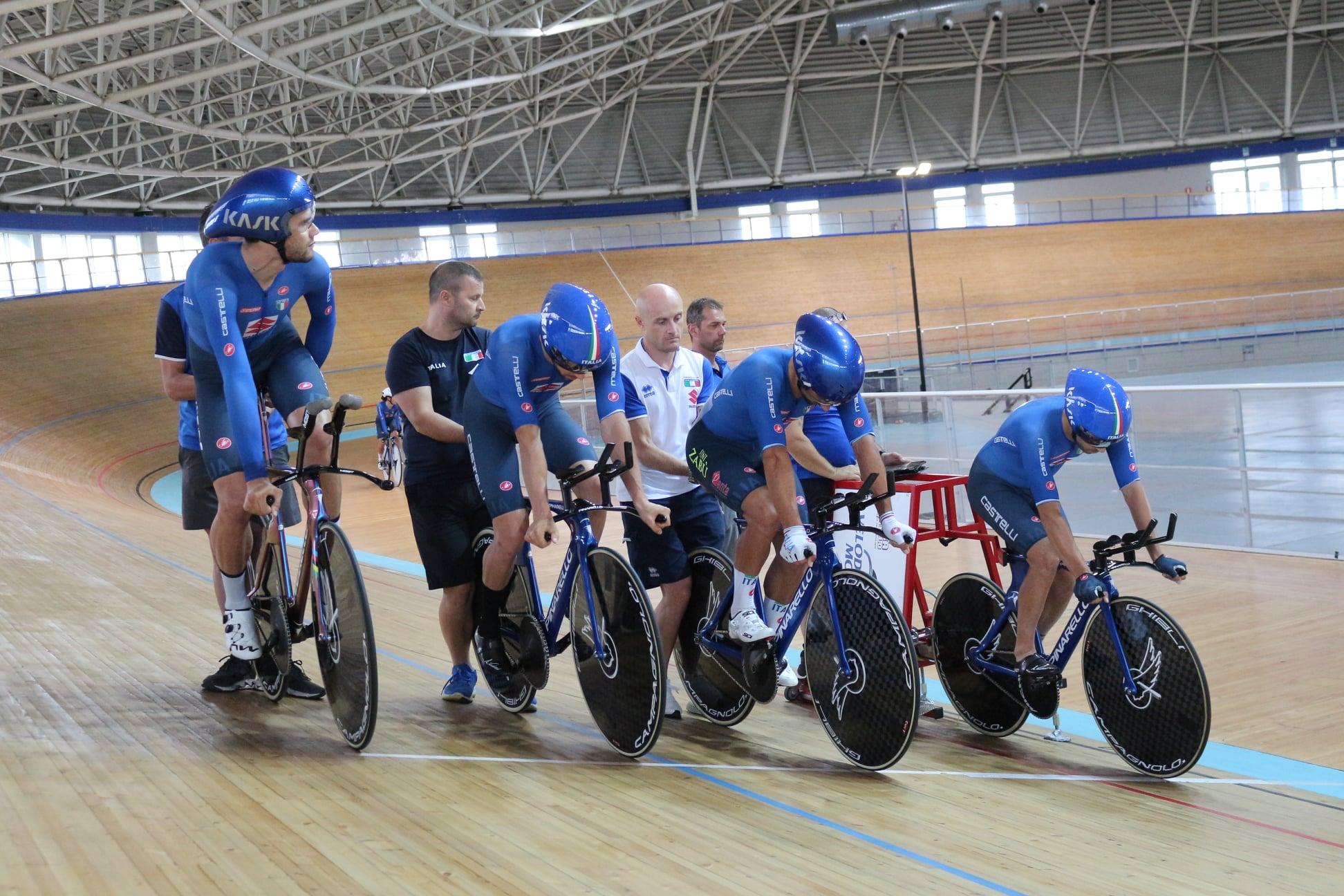 LIVE Ciclismo su pista, Olimpiadi Tokyo in DIRETTA: a breve il quartetto femminile!