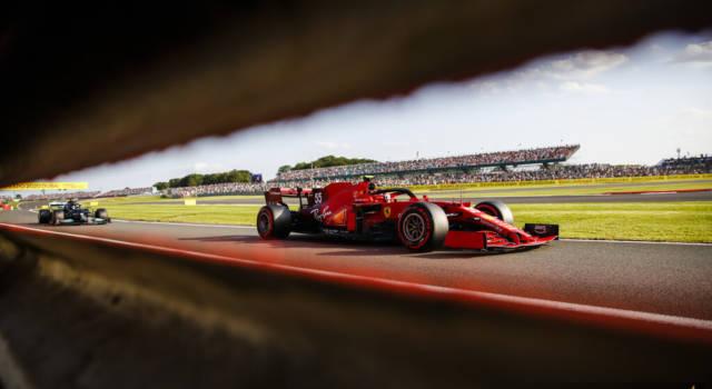 """F1, Carlos Sainz: """"L'incidente al via? Colpa di Russell! Domani dovrò completare la rimonta, sogno la top5"""""""