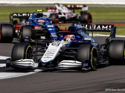 F1, George Russell penalizzato di 3 posizioni in griglia dopo il contatto con Sainz nella Sprint Race