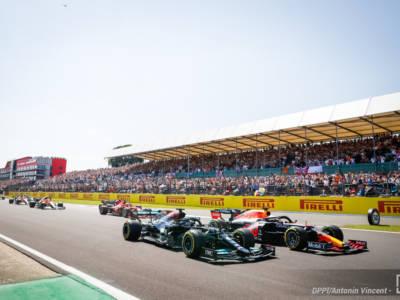 F1, senza la bandiera rossa Lewis Hamilton si sarebbe ritirato dal GP di Gran Bretagna!