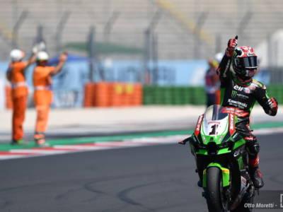 Superbike, Jonathan Rea vince Gara-1 del GP d'Olanda e torna in vetta alla classifica generale