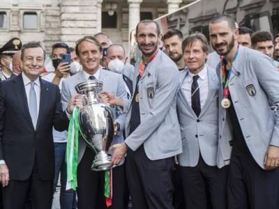 """Mario Draghi rende merito agli azzurri del calcio e a Berrettini: """"Siete entrati nella storia dello sport italiano"""""""