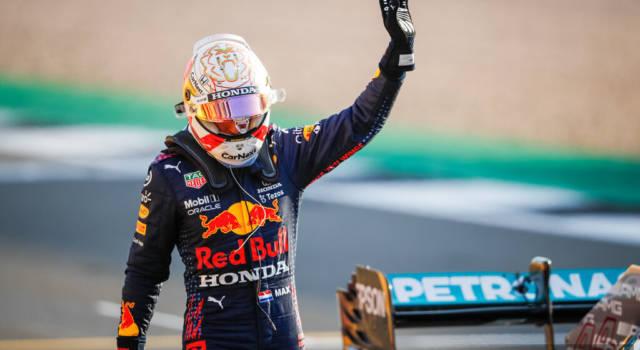 """F1, Max Verstappen: """"Oggi io e Lewis ci siamo spinti al limite! Domani la gestione delle gomme sarà decisiva"""""""