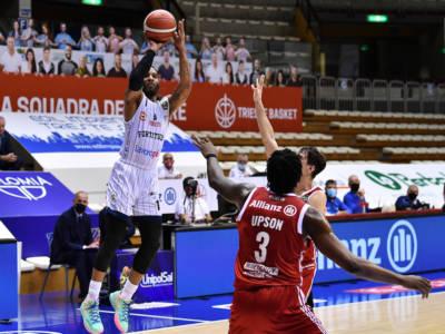 Basket: Adrian Banks a Trieste colpo principale di una lunga giornata di mercato