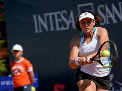Tennis, WTA Palermo 2021: Nuria Brancaccio ko in rimonta con Jaqueline Cristian, buoni spunti dell'azzurra