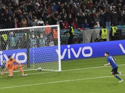 Video rigori Italia-Spagna 5-3, la sequenza completa. Jorginho glaciale