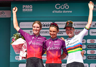 Giro d'Italia donne 2021, Ashleigh Moolman trionfa nella nona tappa. Anna Van der Breggen rafforza la maglia rosa